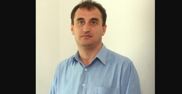 Журналистът Петьо Цеков подпали мрежата и изпепели народните представители: Алчен депутат – калпава държава*