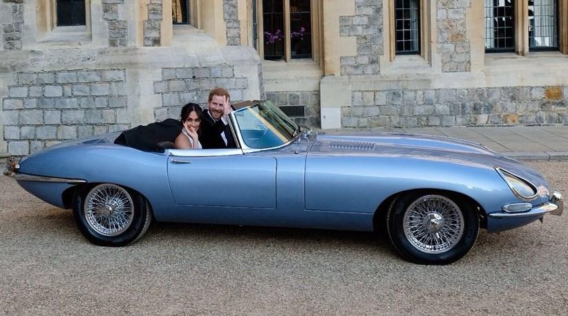 Хората още говорят за сватбената прическа на Меган Маркъл. Ето как да си я направите и вие в 8 лесни стъпки (УКАЗАНИЕ)