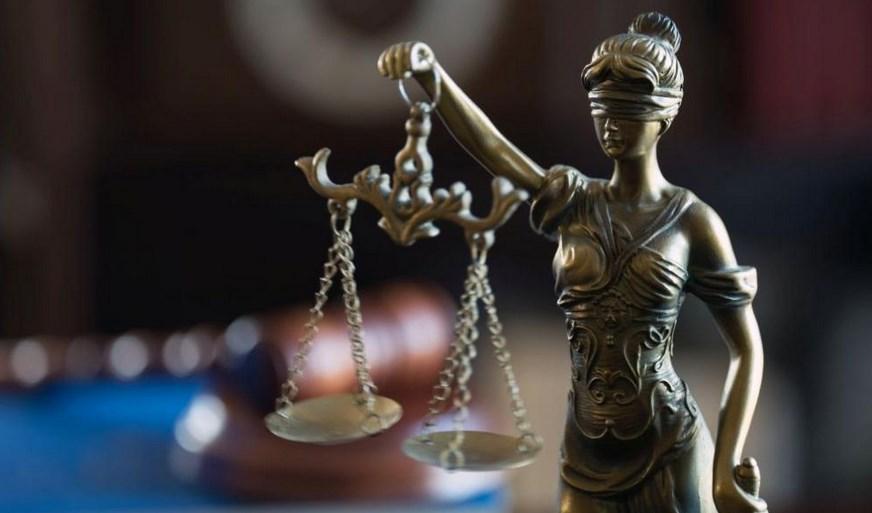 Само в България! Съдът реши: Кметът на Трън не блъснал дете, то само се ударило в джипа и по своя вина е с половин черен дроб и без далак