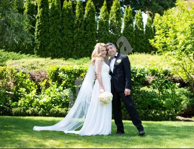 Завесата падна: Росен Плевнелиев се ожени за Деси Банова, церемонията изненада всички (Снимки, обновена)