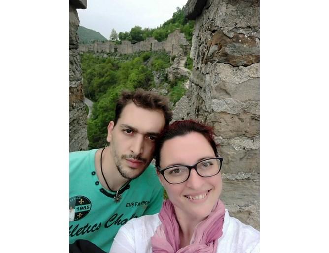 Трагедията в Пловдив няма край - погребаха удавените братя един до друг. Майка им: Животът ми е отровен!
