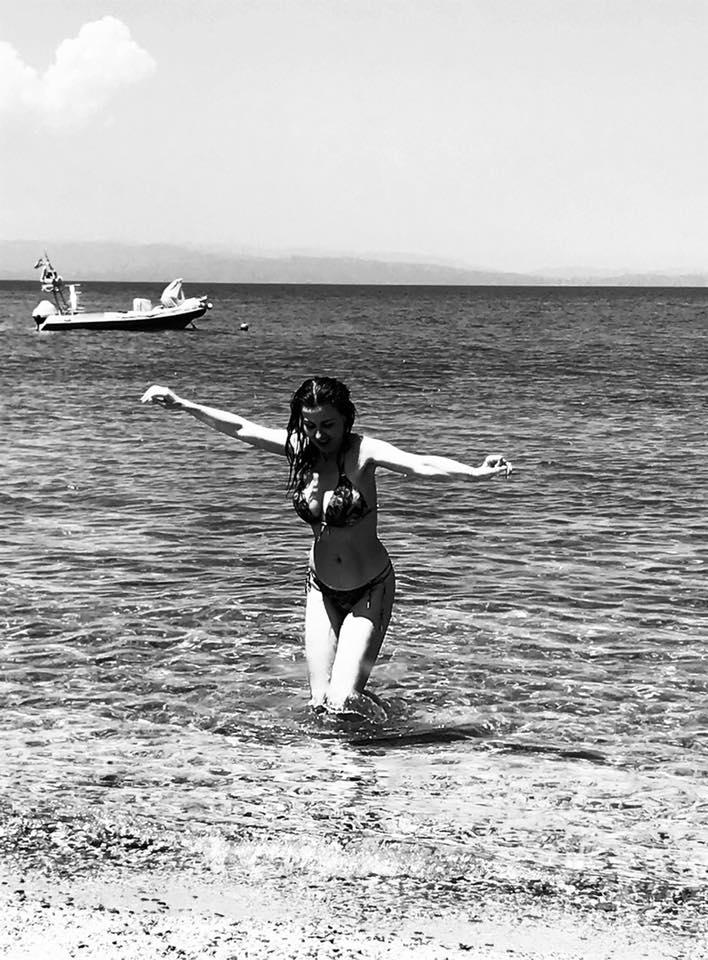 Вижте Илиана Раева по бански: С голям кеф си направих фотосесията - на 55 г да тежиш 50 кг (СНИМКИ)