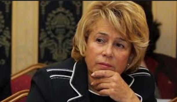Емилия Масларова в разтърсваща изповед: Синът ми побеля, когато ме омаскариха за злоупотреби за 10 млн. лева