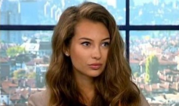 Нова телевизия се разтресе от тази новина: Никол Станкулова слиза от екран, причината я прави луда от щастие (СНИМКИ)