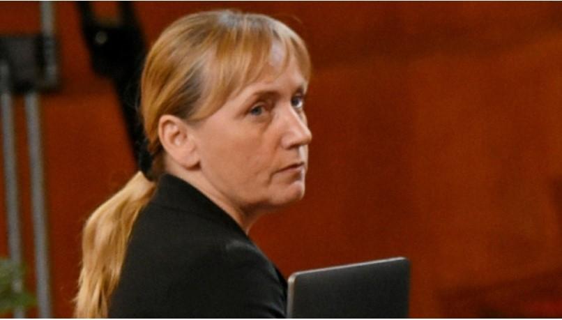 Бащата на Елена Йончева починал от стрес: Таткото на депутатката не издържал най-критичния момент в кариерата й