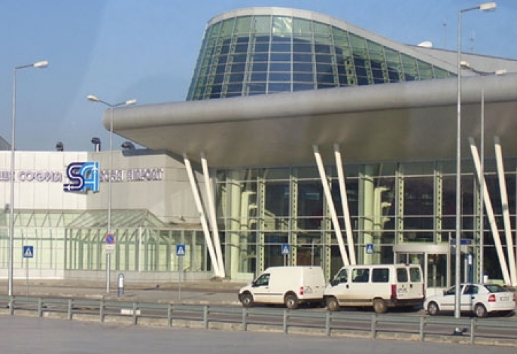 Завесата падна: Стана ясно кой е бизнесменът, летял със самолета, пуснат без проверка за Гърция
