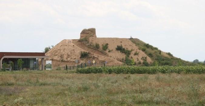 Учени: Сензацията дойде! Смайваща императорска гробница откриха на 20 км от Пловдив (СНИМКИ)