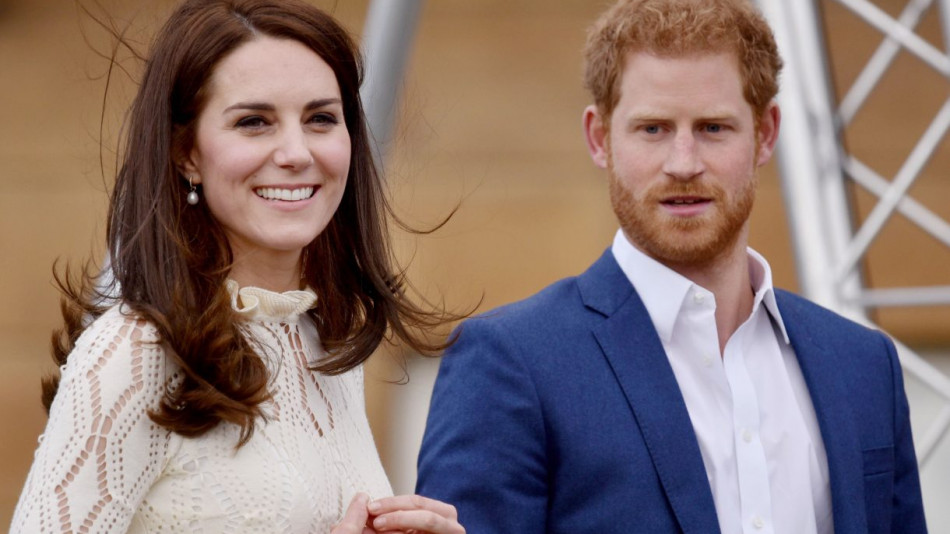 Да не повярва човек: Ето как принц Хари нарича снаха си Кейт, кралското семейство съвсем се омота