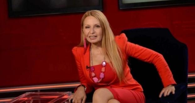 Беновска нажежи мрежата до червено: Hasta la vista, baby! Чао, протестъри! Нали няма да ви видим повече?