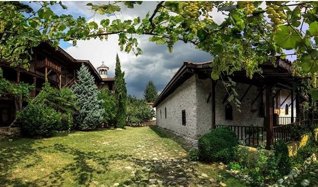 Яне Сандански имал половин милион лева, 11 тона ракия и 36 тона вино: Това ли търсеха бандитите в Рожен