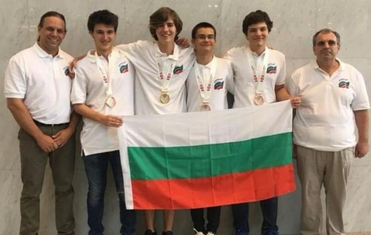 Единадесетокласник от Варна е номер едно в света по информатика: Младият българин над всички в Япония