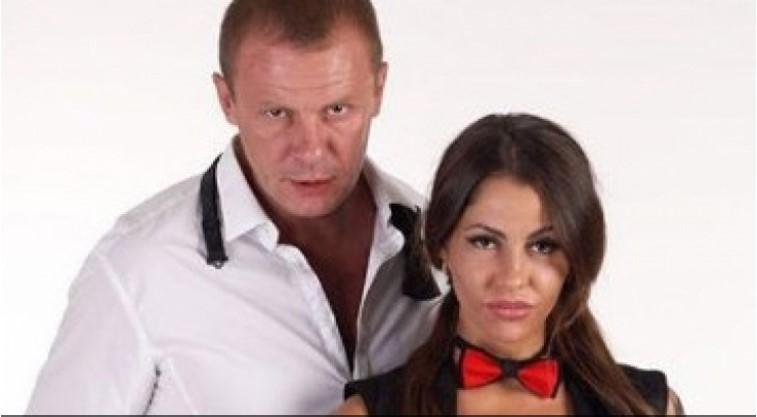 Български актьор изпадна в тежка депресия след развода си със знойна порнозвезда (СНИМКИ 18+)