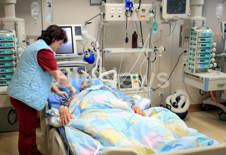 Пребиха жестоко от засада касоразбивач от Враца, борят се за живота му