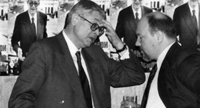 25 април 1995: Босът на ВИС-2 Васил Илиев се изповядва на новия съветник на Румен Радев
