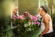 възрастни двойки