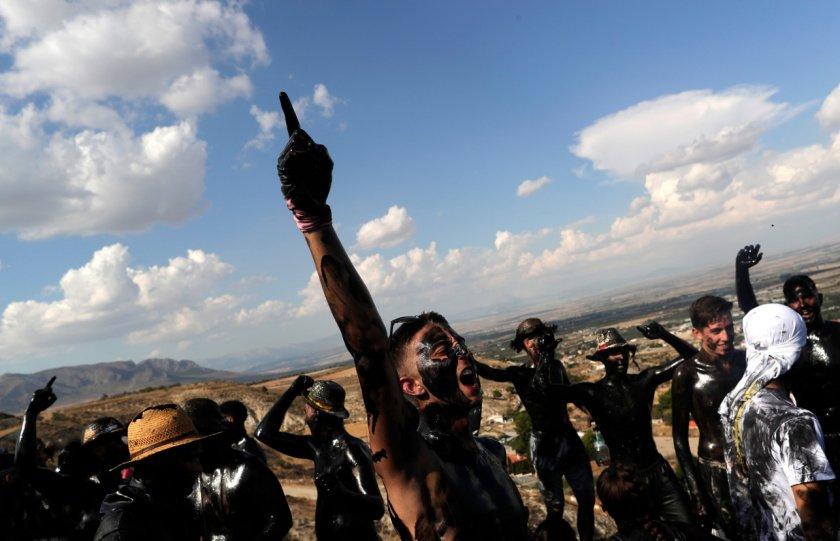 Защо фестивалът Каскамора в Андалусия е интересен за туристите (Галерия)