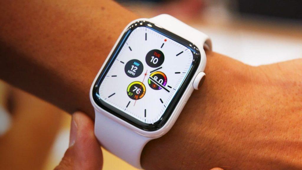 Apple Watch Series 5 срещу Series 4 срещу Series 3: Каква е разликата?