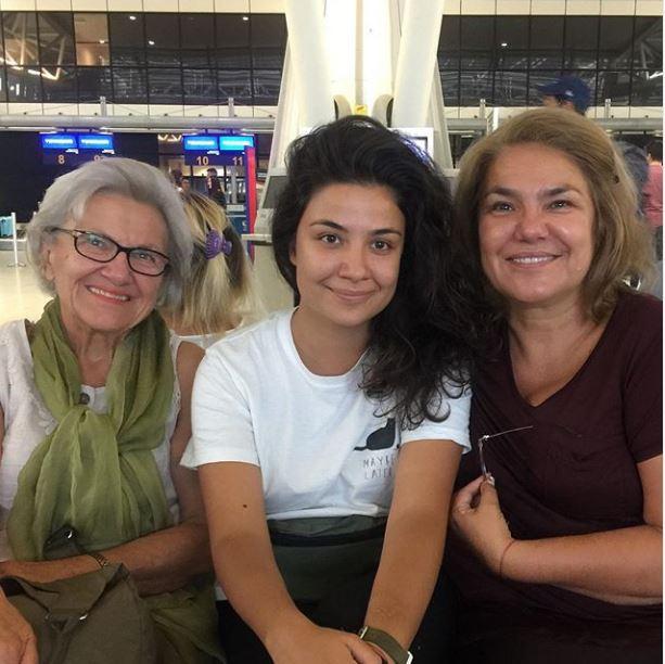 Марта Вачкова изпраща дъщеря си в чужбина