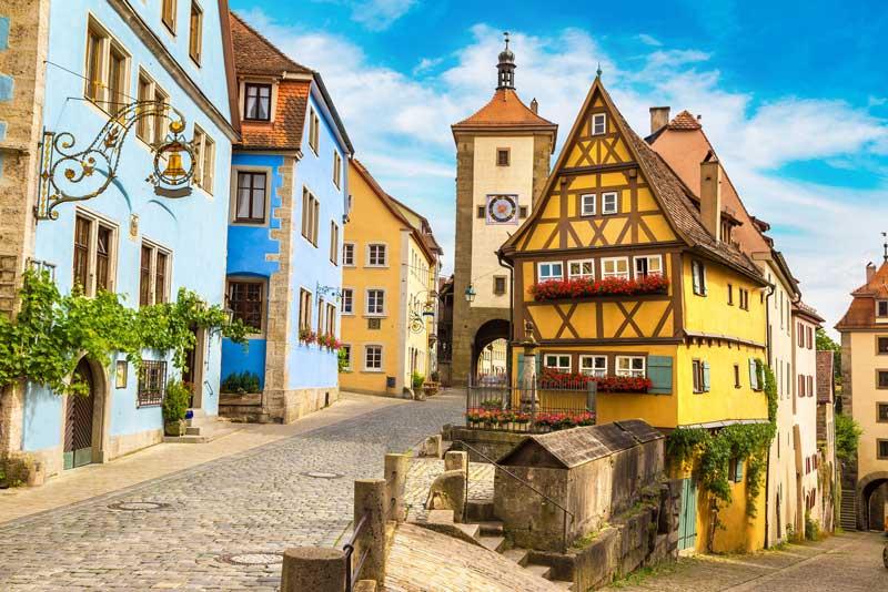 """Пътешествие с кола в Европа по """"романтичния път"""" в Бавария"""