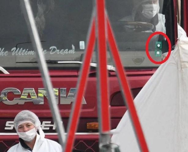 Смразяваща версия за смъртта на 39-имата в камиона ковчег от България