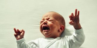 изоставено бебе София