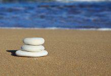 трите камъчета