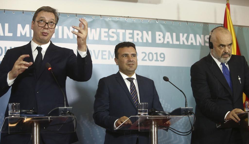 """Западните Балкани се ангажираха за създаване на """"малък ЕС"""""""