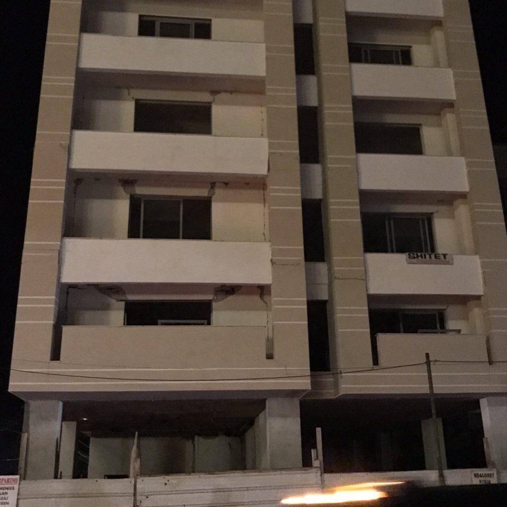 Земетресение с сила 6,4 по Рихтер удари Албания (Видео + Снимки)
