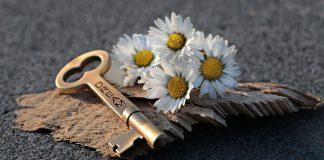 ключът на името