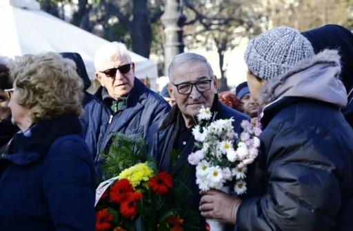Хиляди се прощават със Стефан Данаилов (ГАЛЕРИЯ)