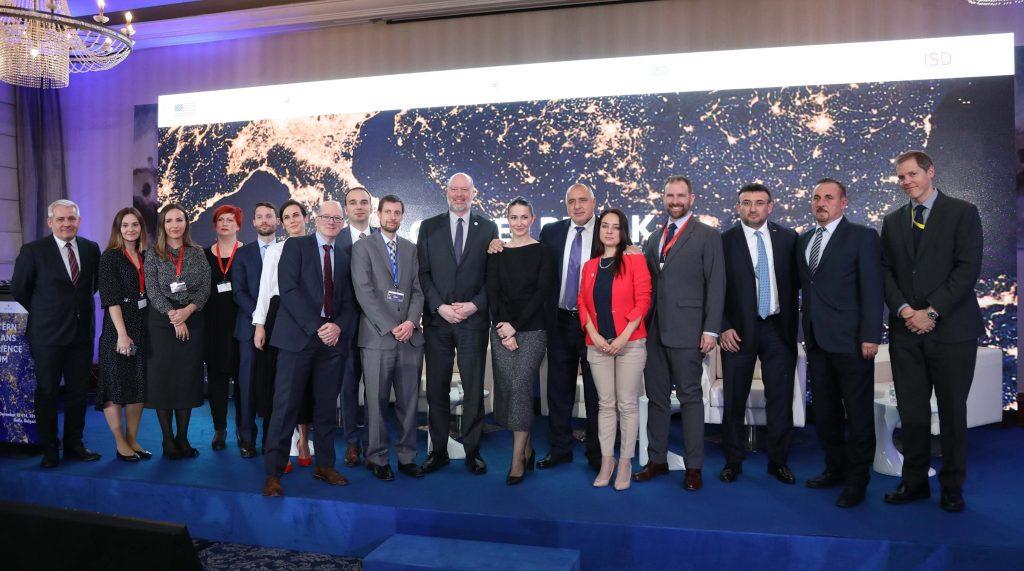 Борисов: Разкрачената поза не е полезна за Балканите