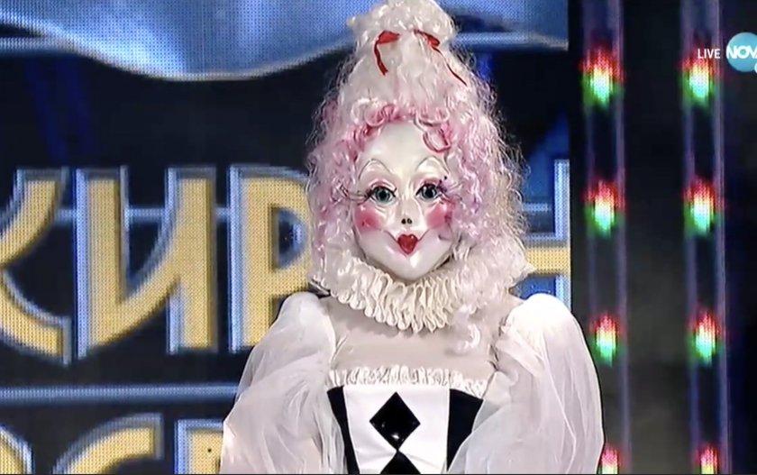 """Паднаха маските на Принцесата и Пилето в """"Маскираният певец"""""""