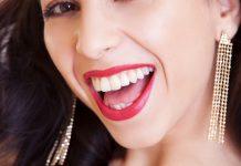 зъбите си бели
