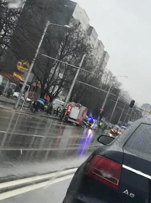Преди минути: Такси предизвика ужасяващ инцидент в София, има ранени (СНИМКИ)