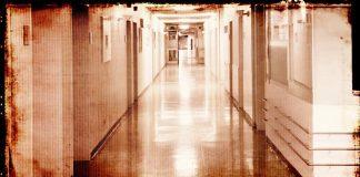 болници фалират