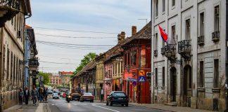 комендантския час в Сърбия