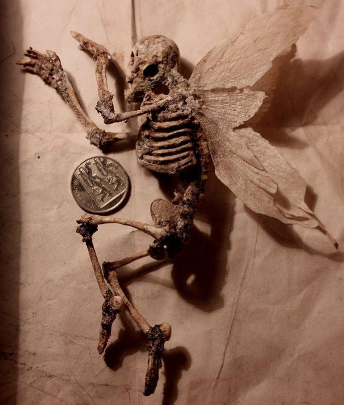Хора с крила и змийски опашки в лондонския музей на Мерлин