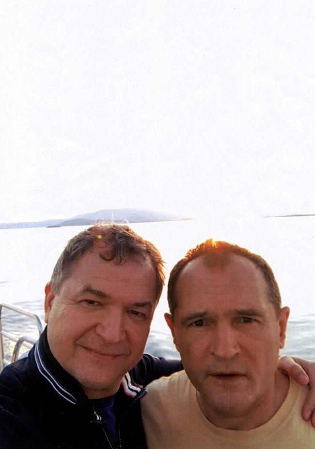 Опасни връзки: Божков на яхта с Бобоков (СНИМКИ)