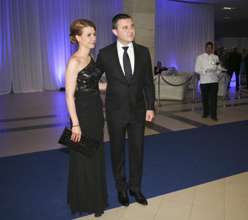 Коя е жената до министър Горанов (СНИМКА)