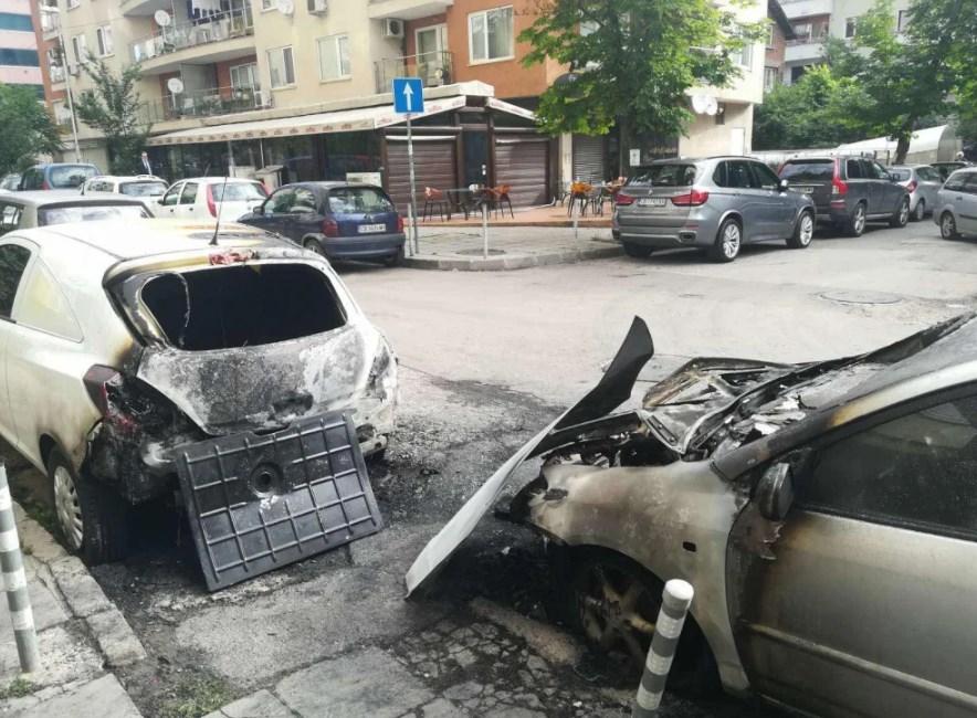 """Огнена вендета в столичния квартал """"Хиподрума"""" (СНИМКИ)"""