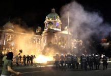 протестите в Белград