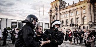 протеста срещу мерки за борба с коронавируса