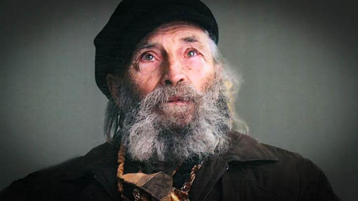 Художникът на Левски спи в каруца