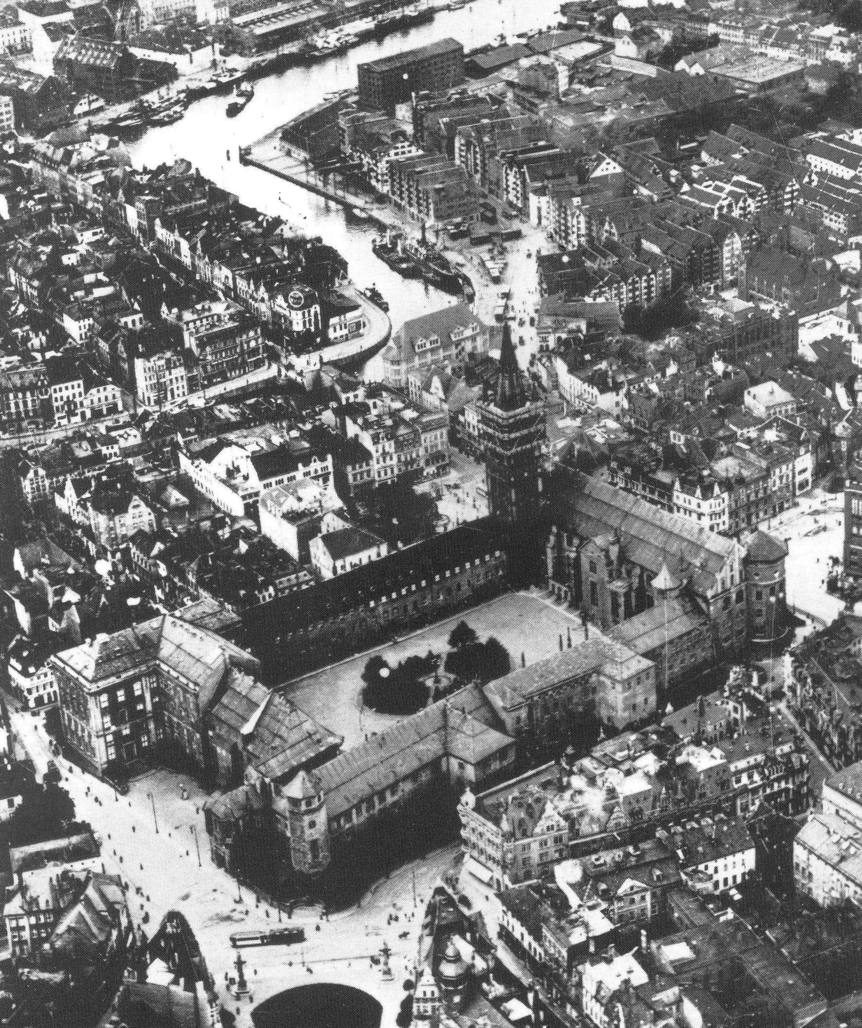 Кораб на Хитлер крие ограбеното от Кехлибарената стая