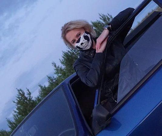 маски и в автомобилите