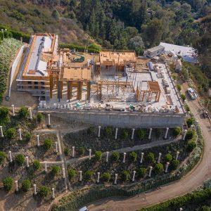 Филип Плейн построи имение за над 200 милиона (СНИМКИ)