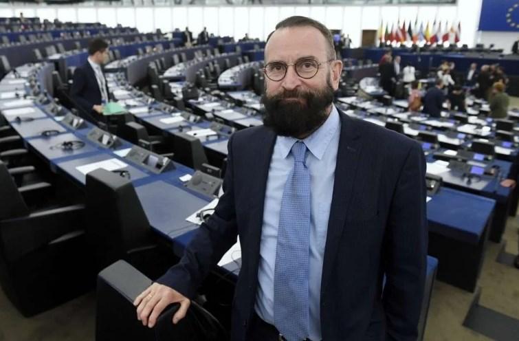 Разкриха кой е евродепутатът от оргията с 25 мъже в Брюксел (СНИМКА)