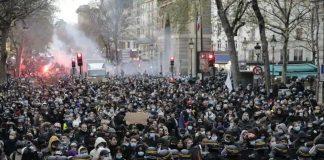 протести Париж
