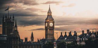 отпътуващи от Англия