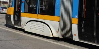 Камион и трамвай